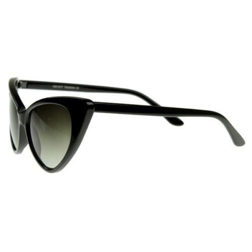 Óculos Gato Gatinho Cat Eye Armação De Sol Vintage Preto - R  45,00 662d69ab07