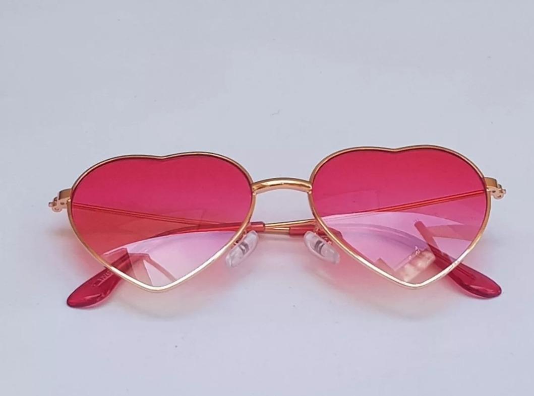 óculos infantil coração degrade transparente lente uv400. Carregando zoom. a220a1cf4a