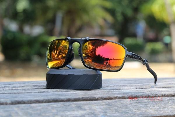5b4f54bf566b9 Óculos Oakley Badman 6020-03 + Combo De 4 Pares De Lentes. - R  1.500,00 em  Mercado Livre