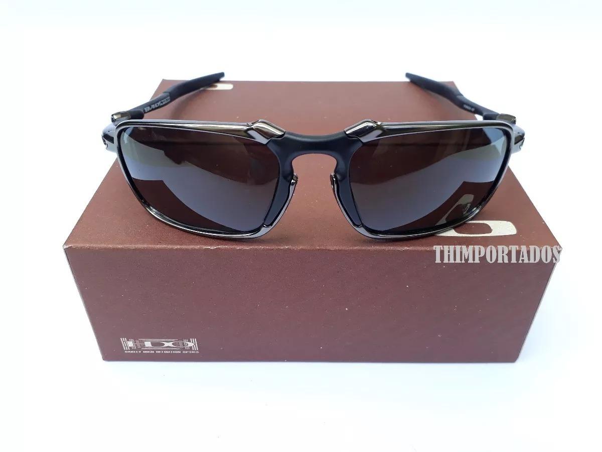 b5ff9042d24a4 Óculos Oakley Badman Juliet Double Xx Squared 24k Top - R  120,00 em ...
