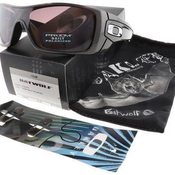 4a840dfb3f84f Óculos Oakley Batwolf 9101 - R  390