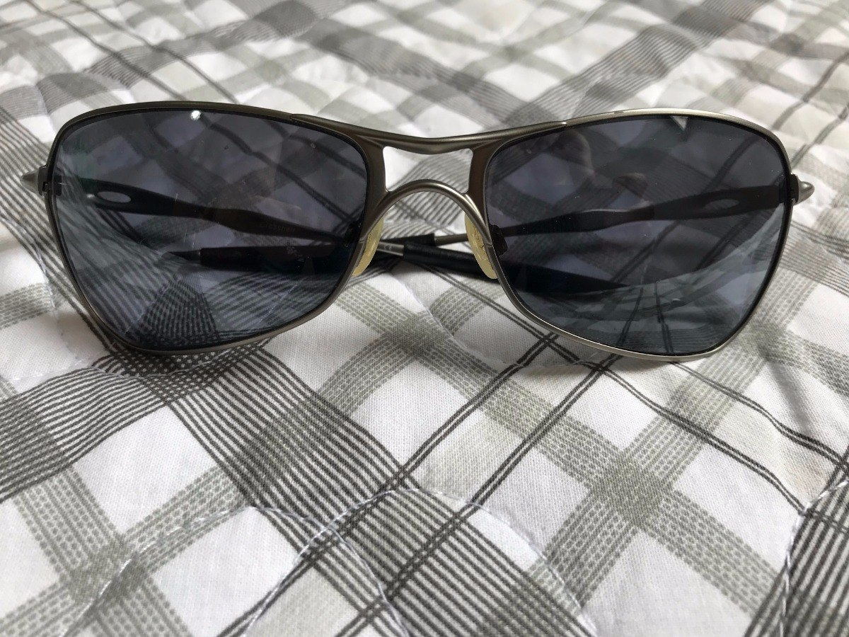 Óculos Oakley Crosshair Polarizado - R  200,00 em Mercado Livre c395041003
