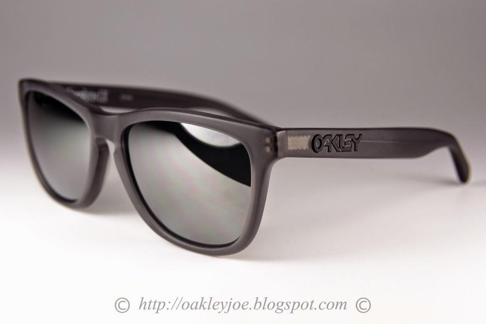 609588b96268 Oculos Oakley Frogskins Lx Satin Smoke Polarize Frete Gratis - R ...