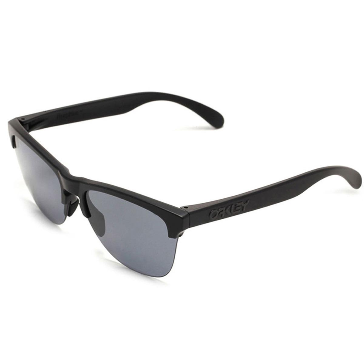 ccdad760c Óculos Oakley Frogskins Lite Matte Black/ Lente Grey - R$ 449,90 em ...