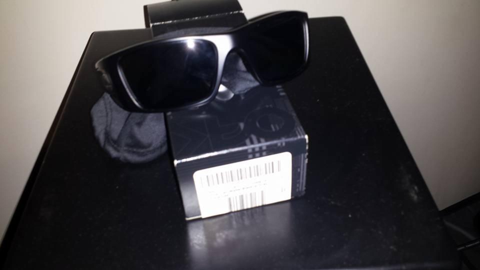 1420c54ad0be4 óculos oakley fuel cell original novo lente polarizada. Carregando zoom.