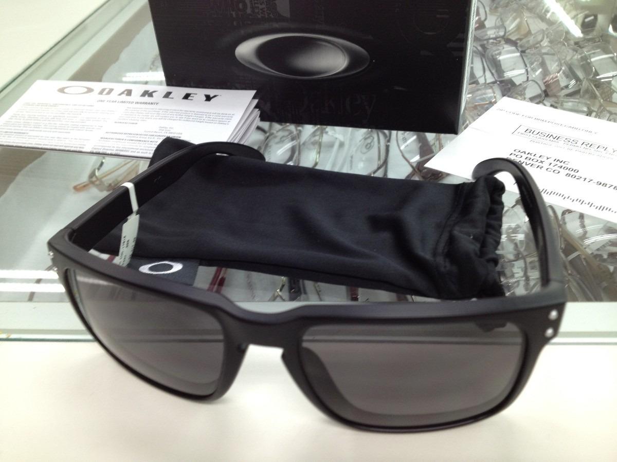 Óculos Oakley Holbrook Mais Estojo Barato - R  120,00 em Mercado Livre dee75a200c
