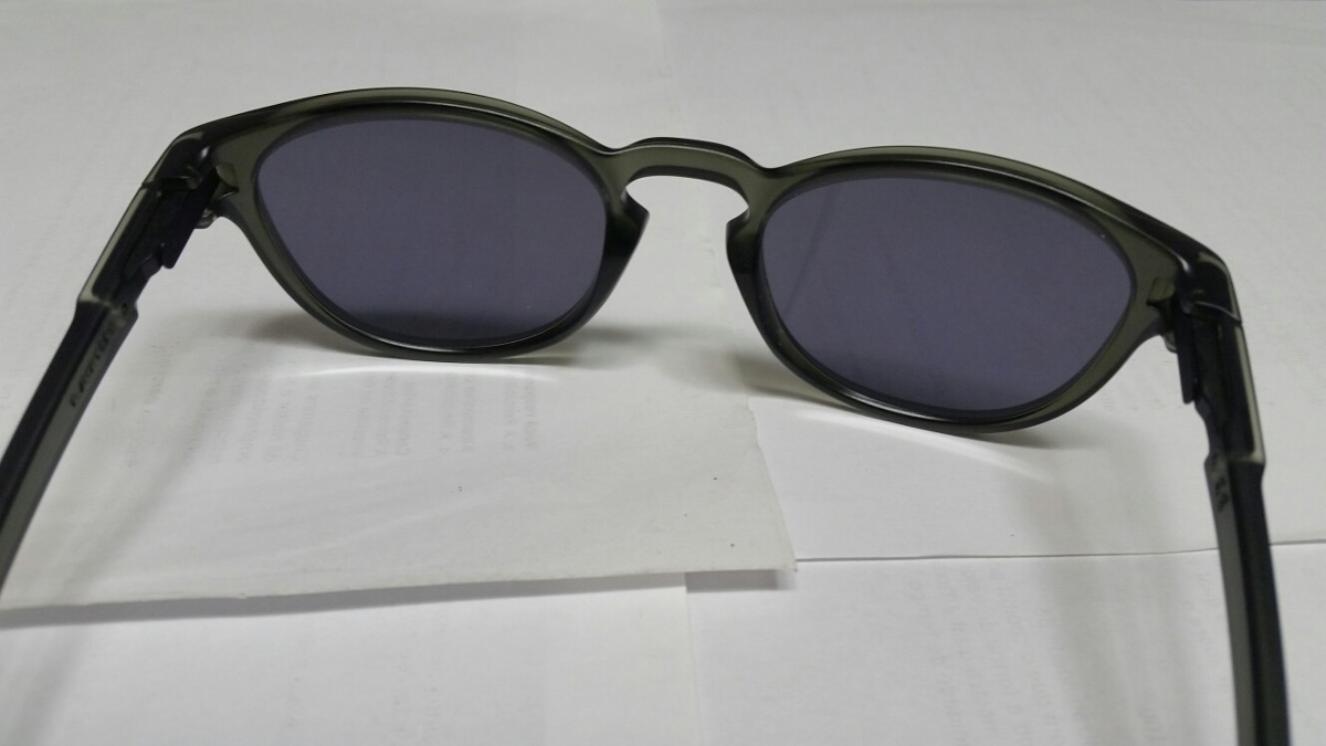 e450cd8253ca8 Óculos Oakley Latch - R  250,00 em Mercado Livre