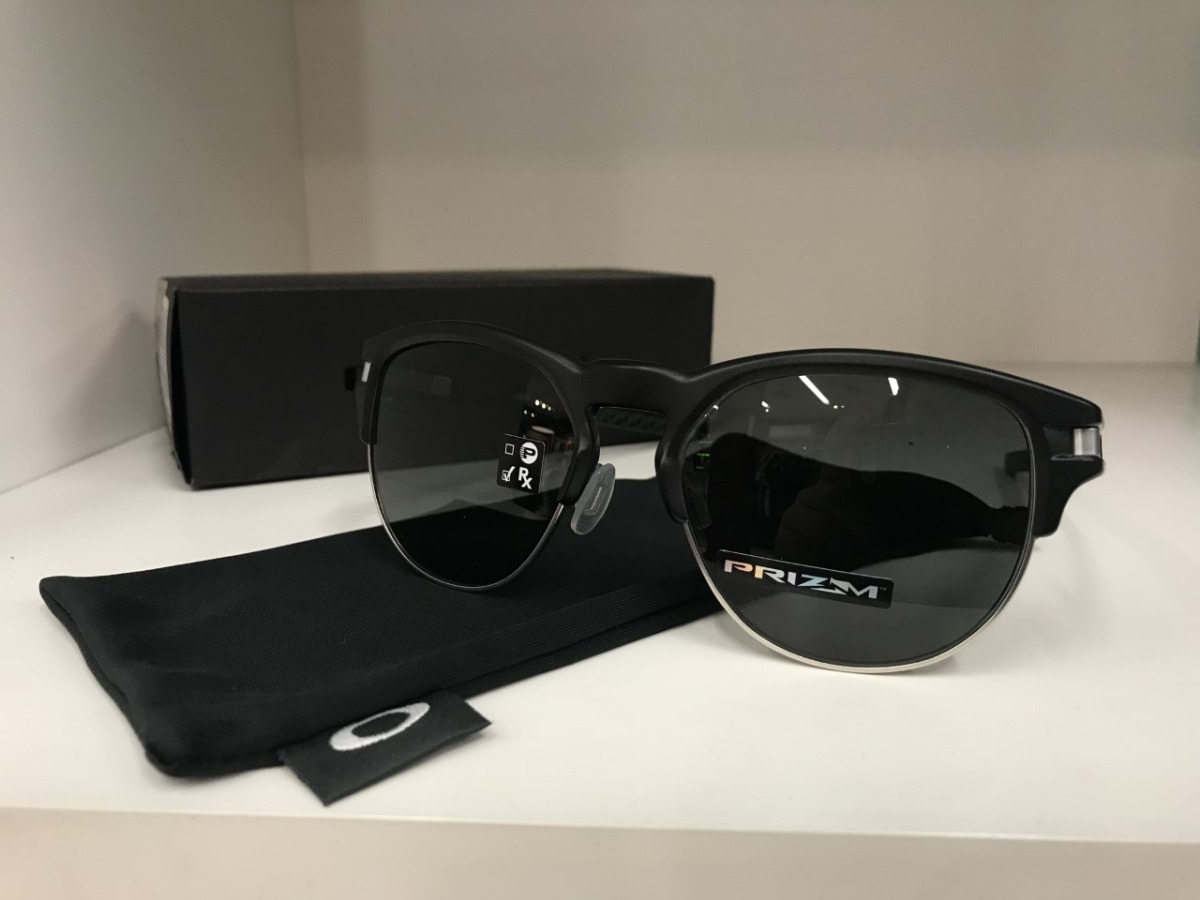 Óculos Oakley Latch Key Original Com Nota Fiscal - R  699,90 em ... dd372a4d31
