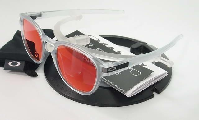 b050ab99d5dd2 Oculos Oakley Latch Matte Clear Torch Iridium Frete Gratis - R  459 ...