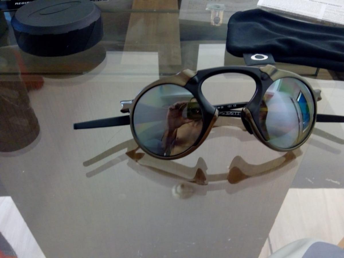 Óculos Oakley Mad Man X Metal Black Iridium - R  600,00 em Mercado Livre 0bbd5c8f44