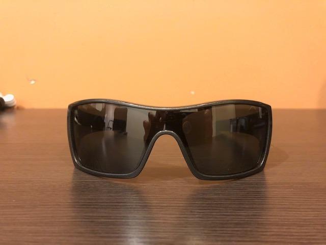 97dfb66085574 Óculos Oakley Original Batwolf Pouco Usado Impecável!!! - R  429,00 ...