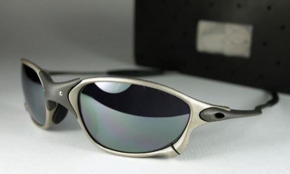 Oculos Oakley Romeo1 Db X Metal Cinza Barato - R  85,00 em Mercado Livre eb3b4a4f06