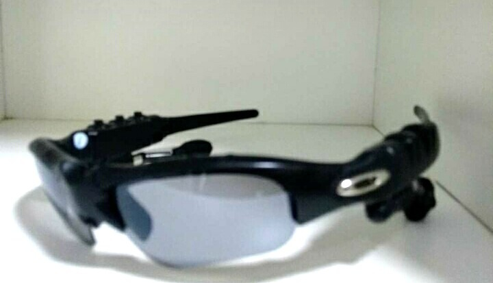 Oculos Oakley Thump Fone De Ouvido - R  249,00 em Mercado Livre 7172a5d747