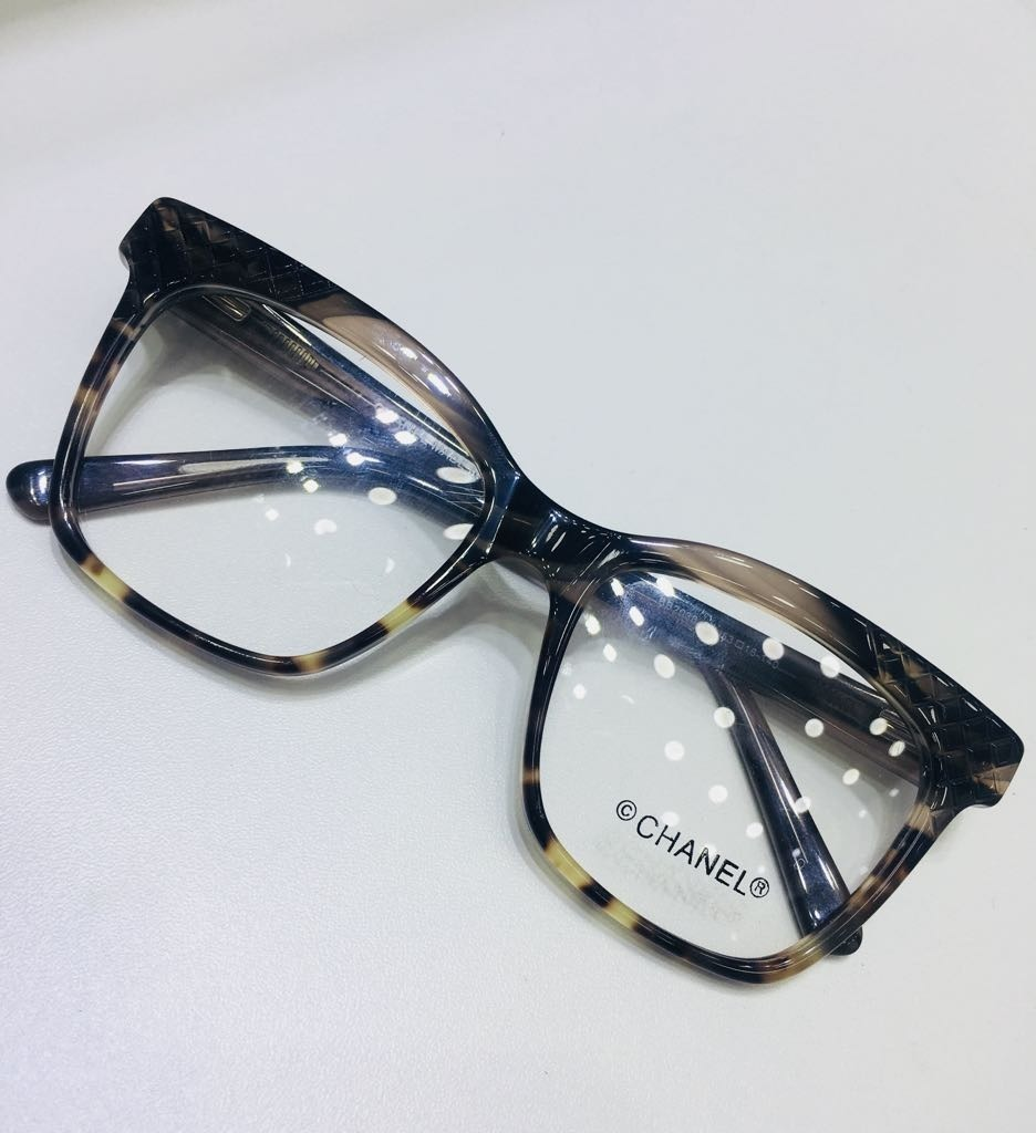 9a6c39b15 óculos para grau quadrado fumê e oncinha chanel -cn706. Carregando zoom.
