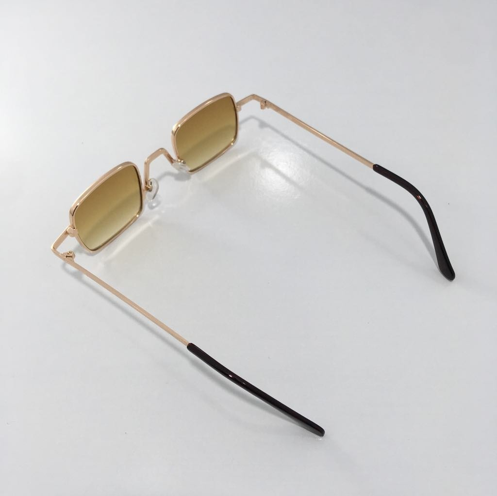 00585fa83fe32 óculos pequeno de sol retrô quadrado vintage unissex marrom. Carregando zoom .