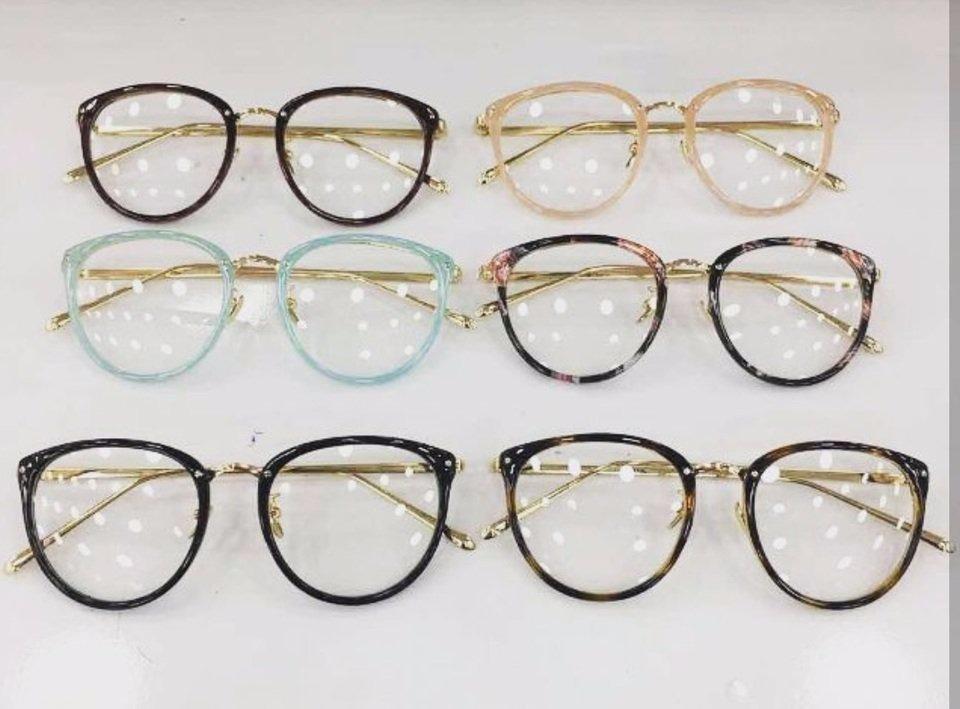Carregando zoom... armação oculos de grau prada original feminino várias  cores f0e7129c10