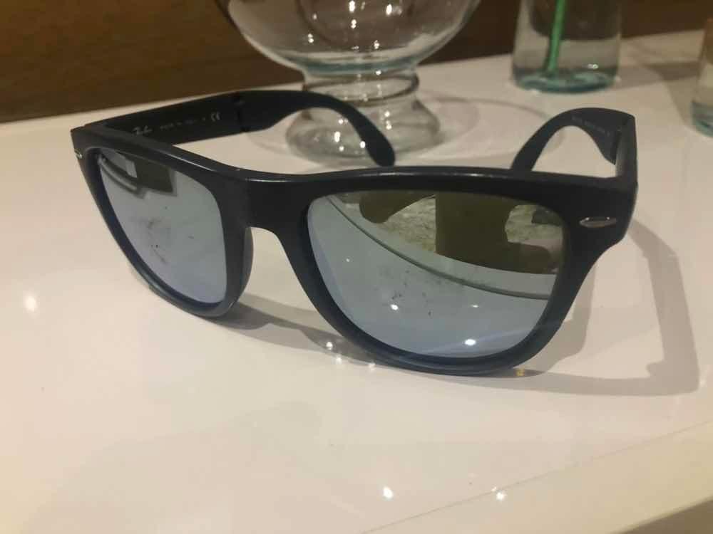 Óculos Ray Ban 4105 Dobrável - R  200,00 em Mercado Livre 178871861f