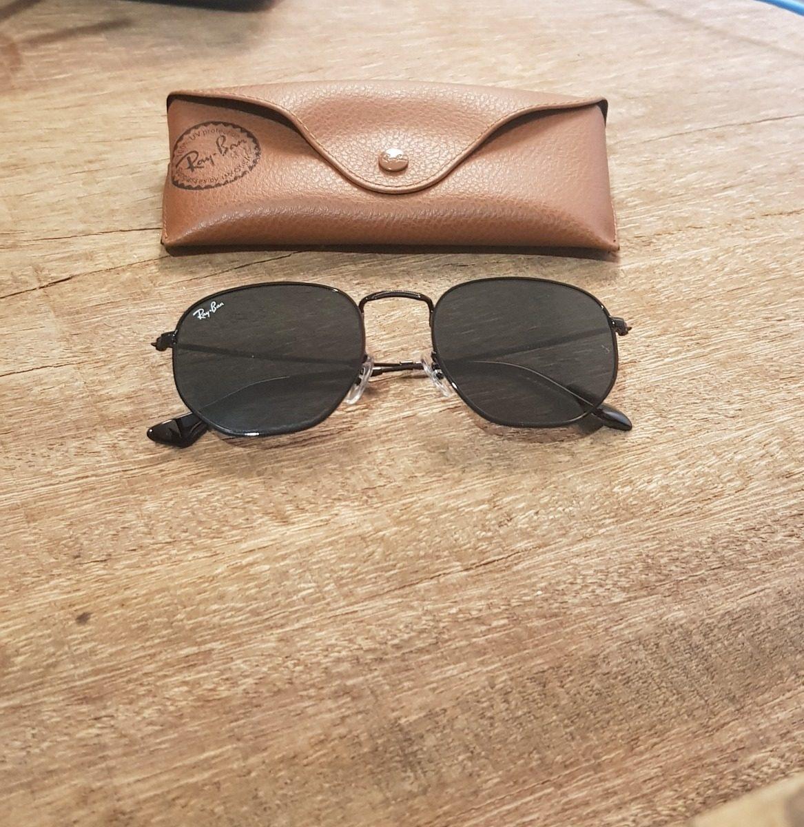 9fa37ed97d32a Óculos Ray Ban Rb3548 Hexagonal Preto Com Dourado 51 - R  350,00 em ...