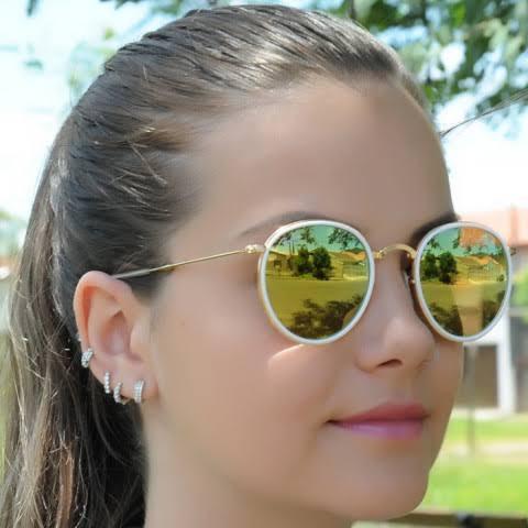 8cd21d26cc89c Óculos Ray Ban Round Dobrável Dourado E Branco - R  200