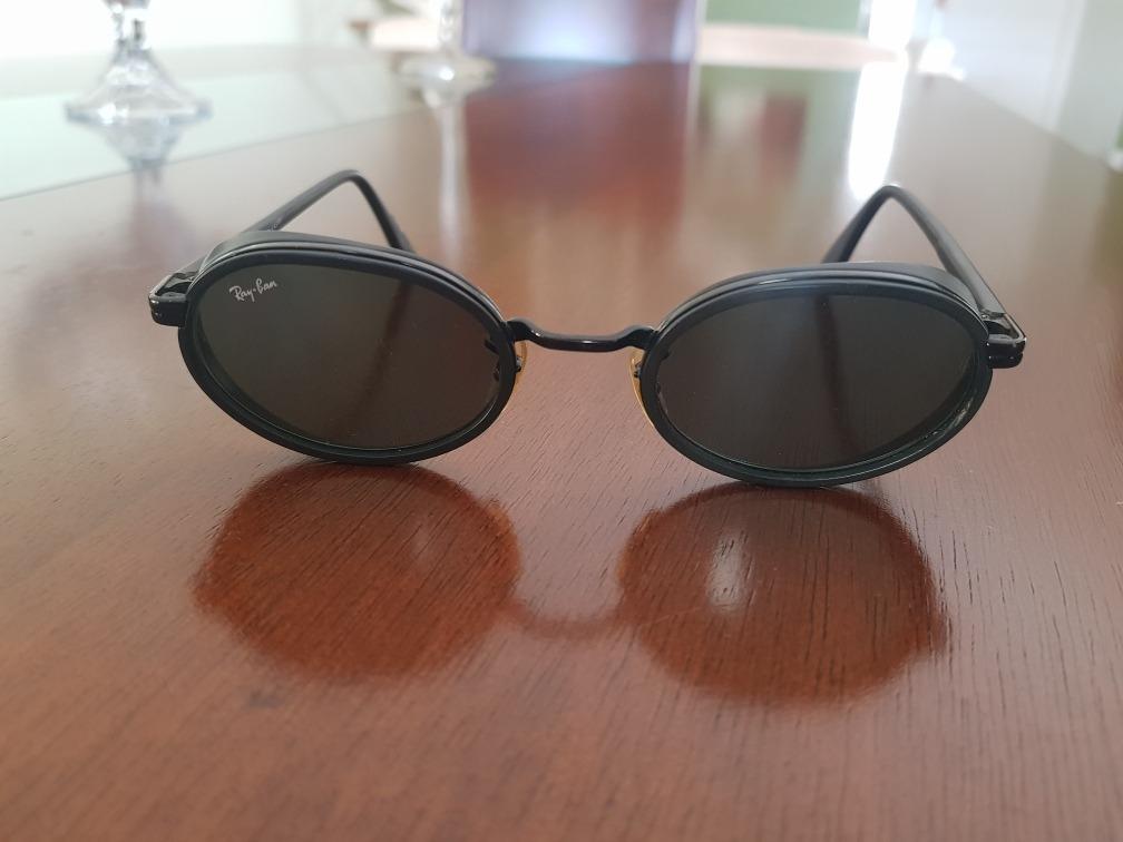 7d767fd69d5ba óculos ray ban usado - com proteção lateral. Carregando zoom.