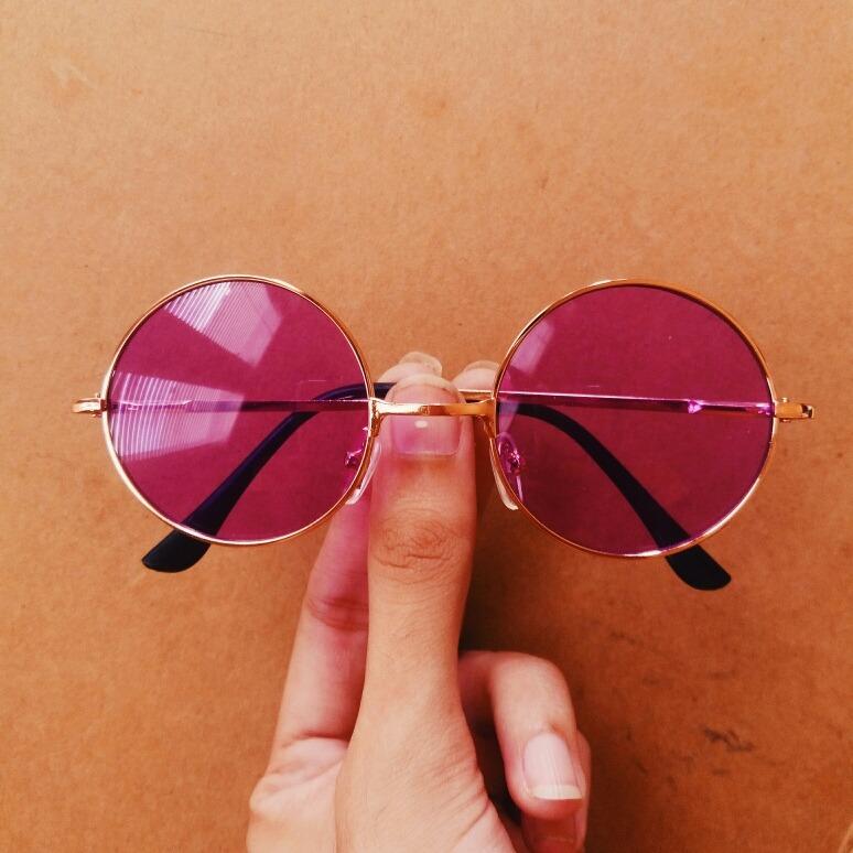 Óculos Retrô Redondo Colorido (pequeno roxo) - R  115,00 em Mercado ... dd10f0ec95