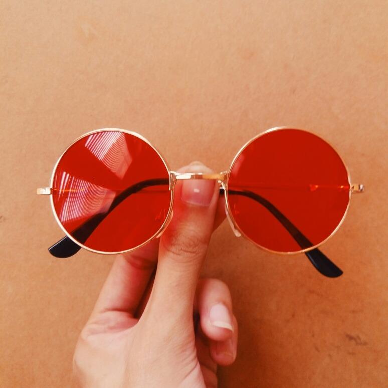Óculos Retrô Redondo Colorido (pequeno vermelho) - R  115,00 em ... 0b204aca6f
