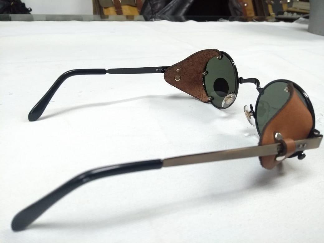 0ae3e011f Óculos Retrô Redondo De Proteção Lateral Em Couro - R$ 299,00 em ...