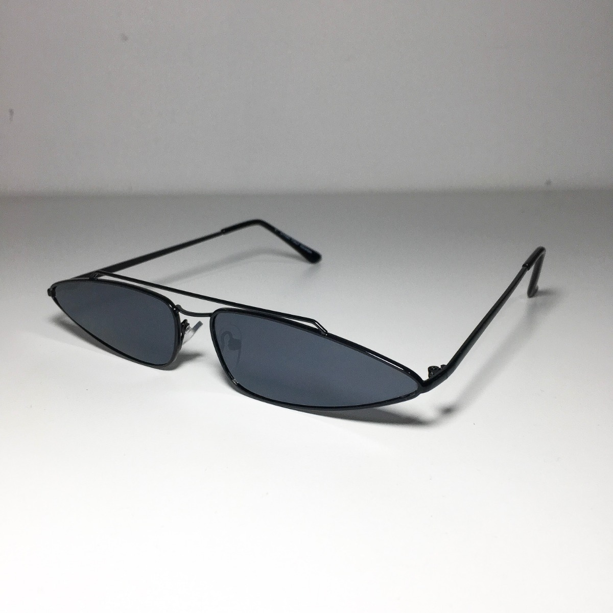 0adc35c6ac6b2 óculos retro quadrado de sol vintage anos 90 preto. Carregando zoom.