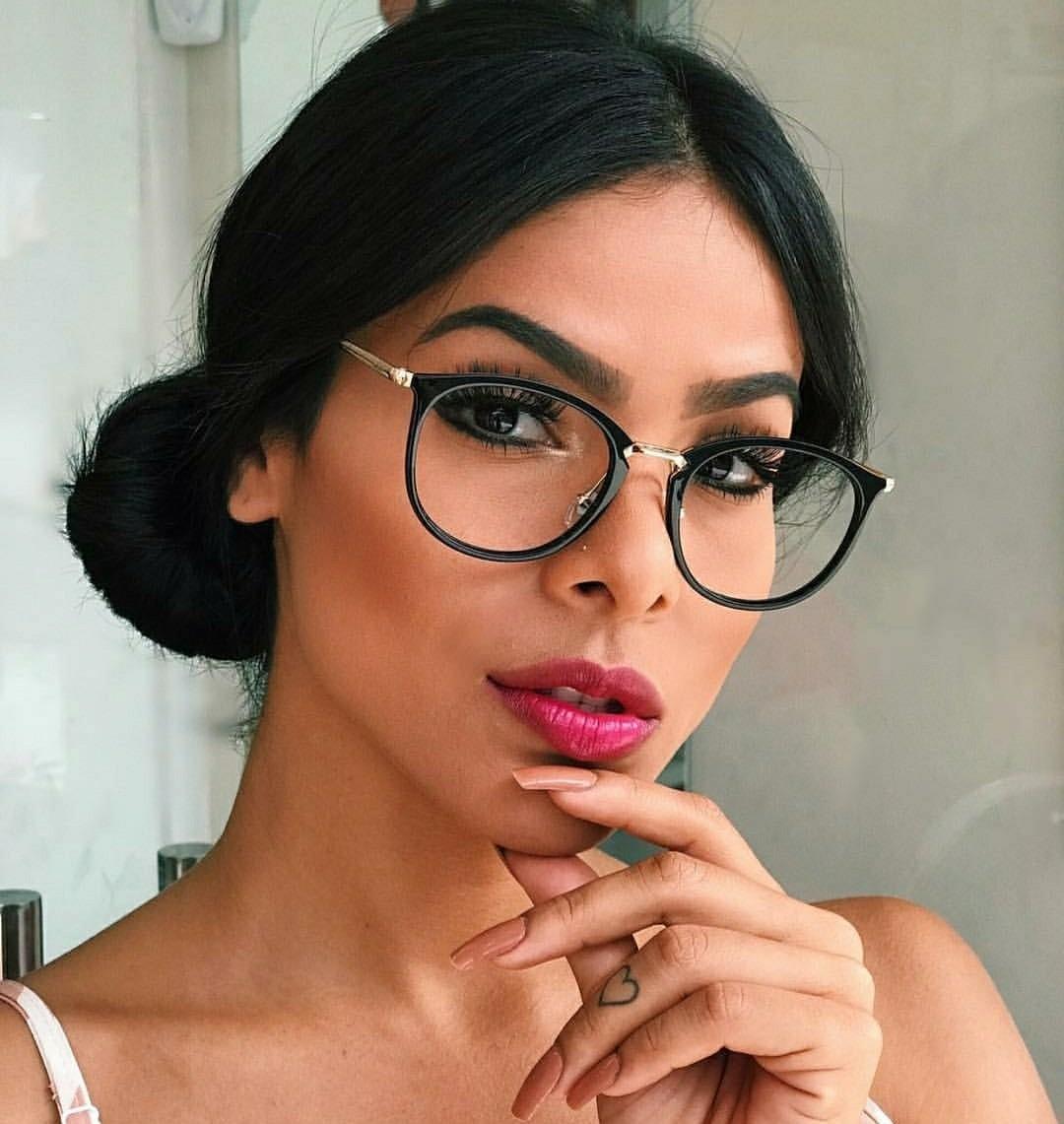 óculos sem grau feminino redondo armação estilosa preta nerd. Carregando  zoom. 4836f1bbf7