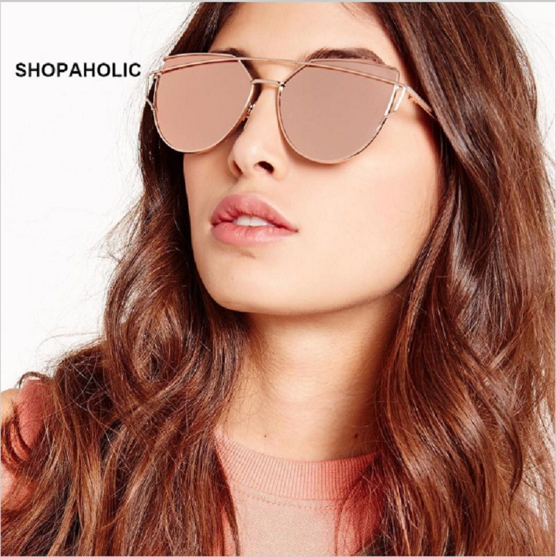 e3ccb5d1b3794 óculos sol barato feminino dourado com lente rosa espelhada. Carregando  zoom.