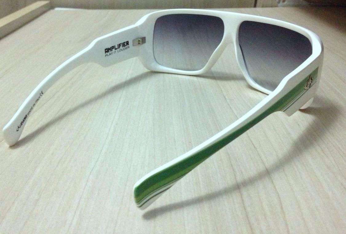 Óculos De Sol - Evoke Amplifier White With Green Lines - R  350,00 ... 079ec55028