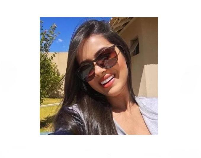 4a84630bf559e Óculos Sol Feminino Masculino E Feminina Retrô Verão - R  49