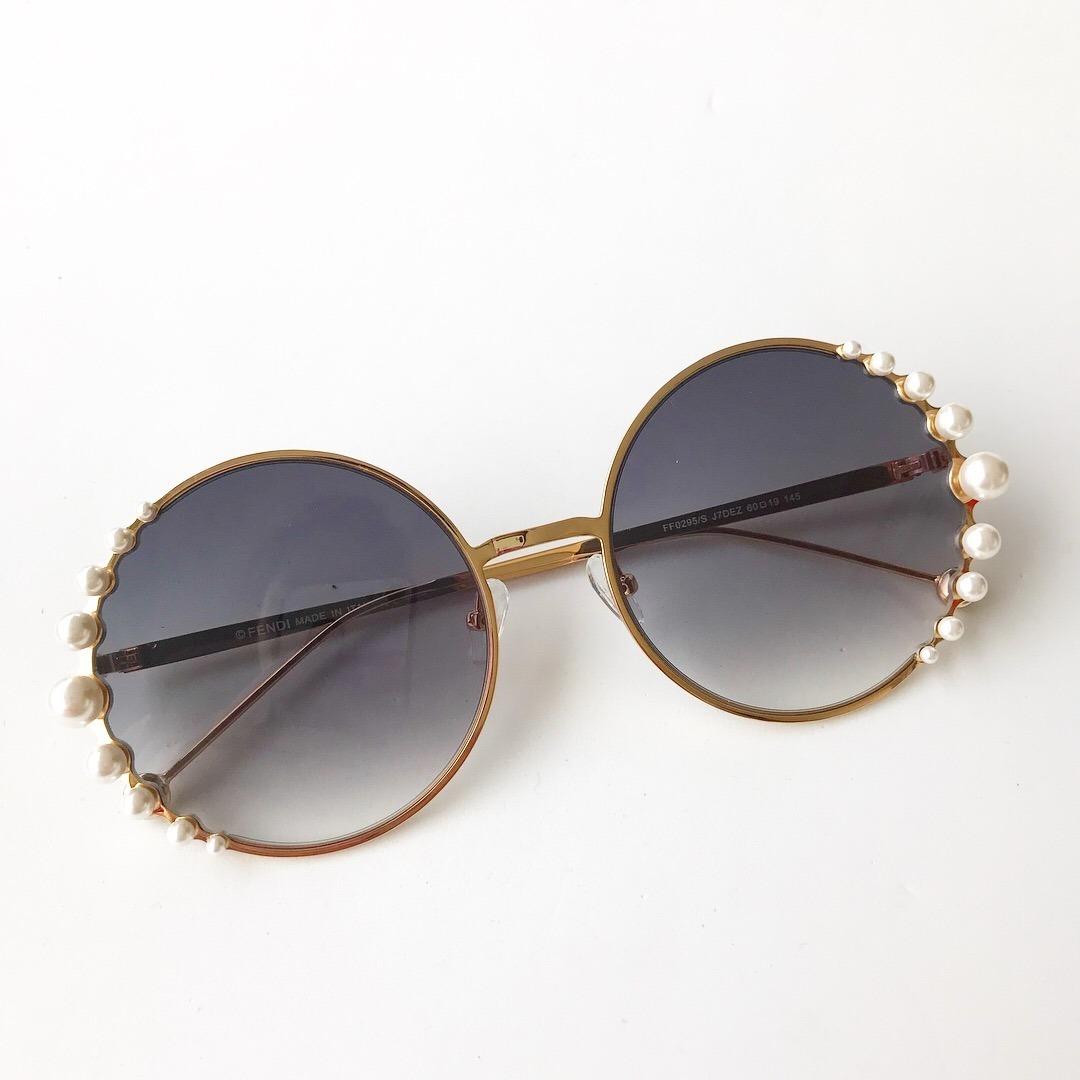 9e3d5fc783e27 ... pearls feminino pérola redondo round. Carregando zoom... óculos sol  fendi. Carregando zoom.