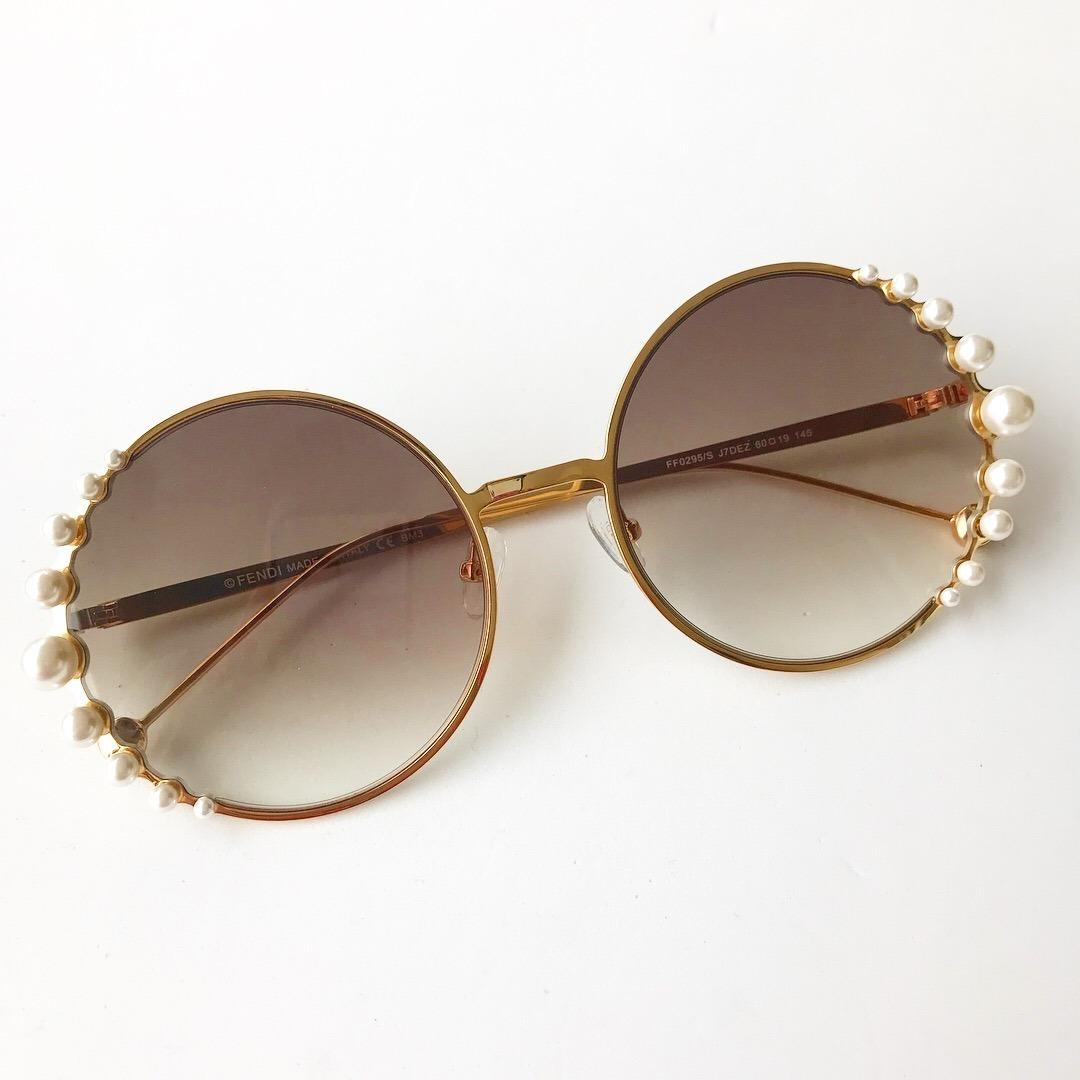 42e605337811c ... pearls feminino pérola redondo round. Carregando zoom... óculos sol  fendi. Carregando zoom.