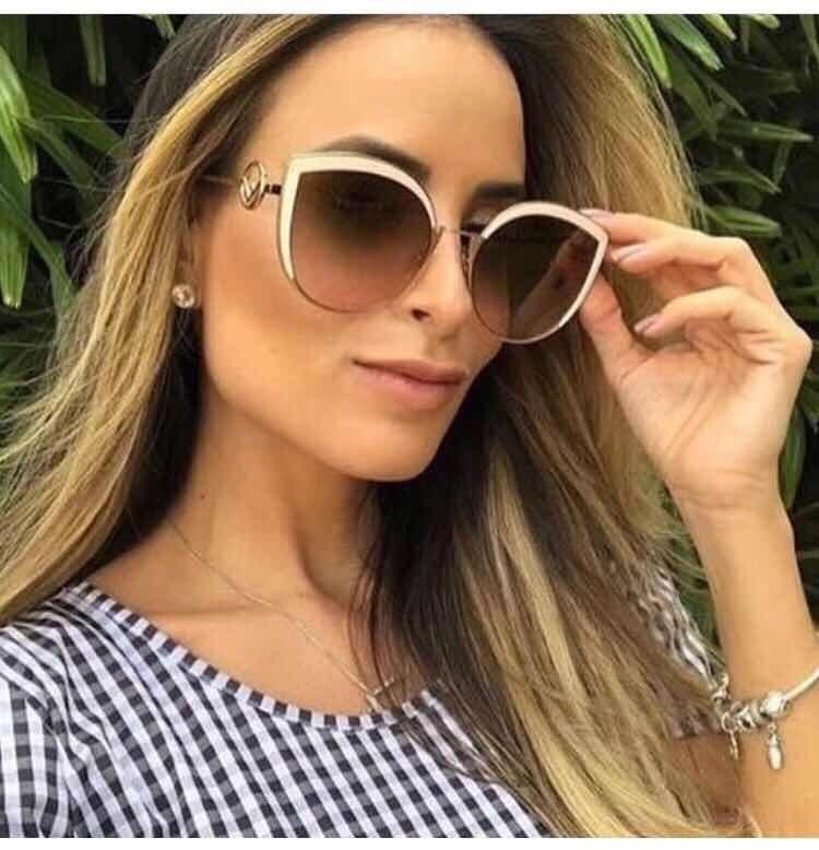 593fe9590aee6 Óculos De Sol Fendi Modelo Cat Gatinho Tam 58 Feminino - R  469,00 ...