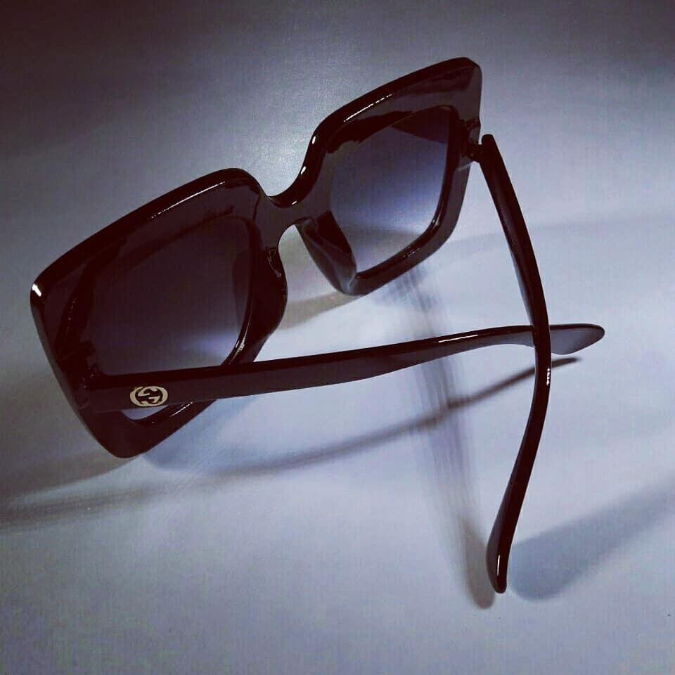 17667c88e9ecb Óculos De Sol Gucci Quadrado Com Strass - R  419,00 em Mercado Livre