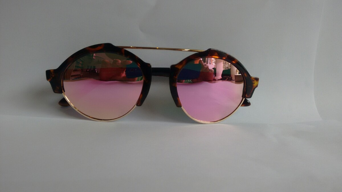 Óculos De Sol Feminino Illesteva Milan ( Promoção) - R  89,99 em ... 13fe8b00a0
