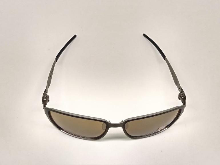 Oculos De Sol Oakley Tincan Carbon 408205 Polarizad + Brinde - R ... 8d5b18fbe5a