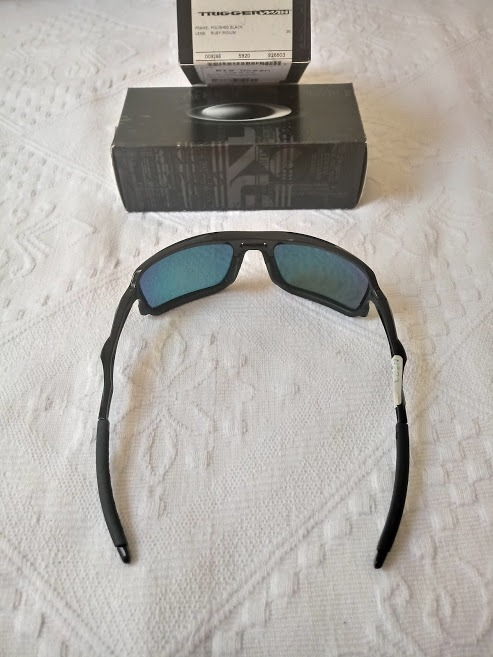d6a4df2cd9178 Óculos De Sol Oakley Trigger Man Polished Blak Ruby Iridium - R  520 ...