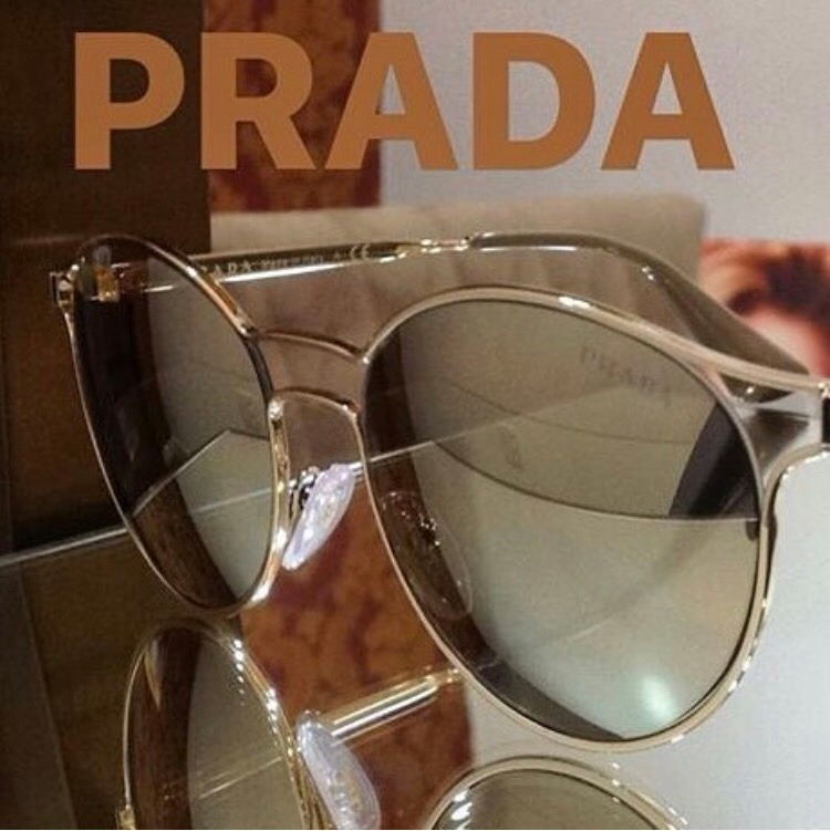 Óculos De Sol Prada Cinema Pr62s 1bc2b0 Espelhada Lançamento - R .. 8e70e8fb8f