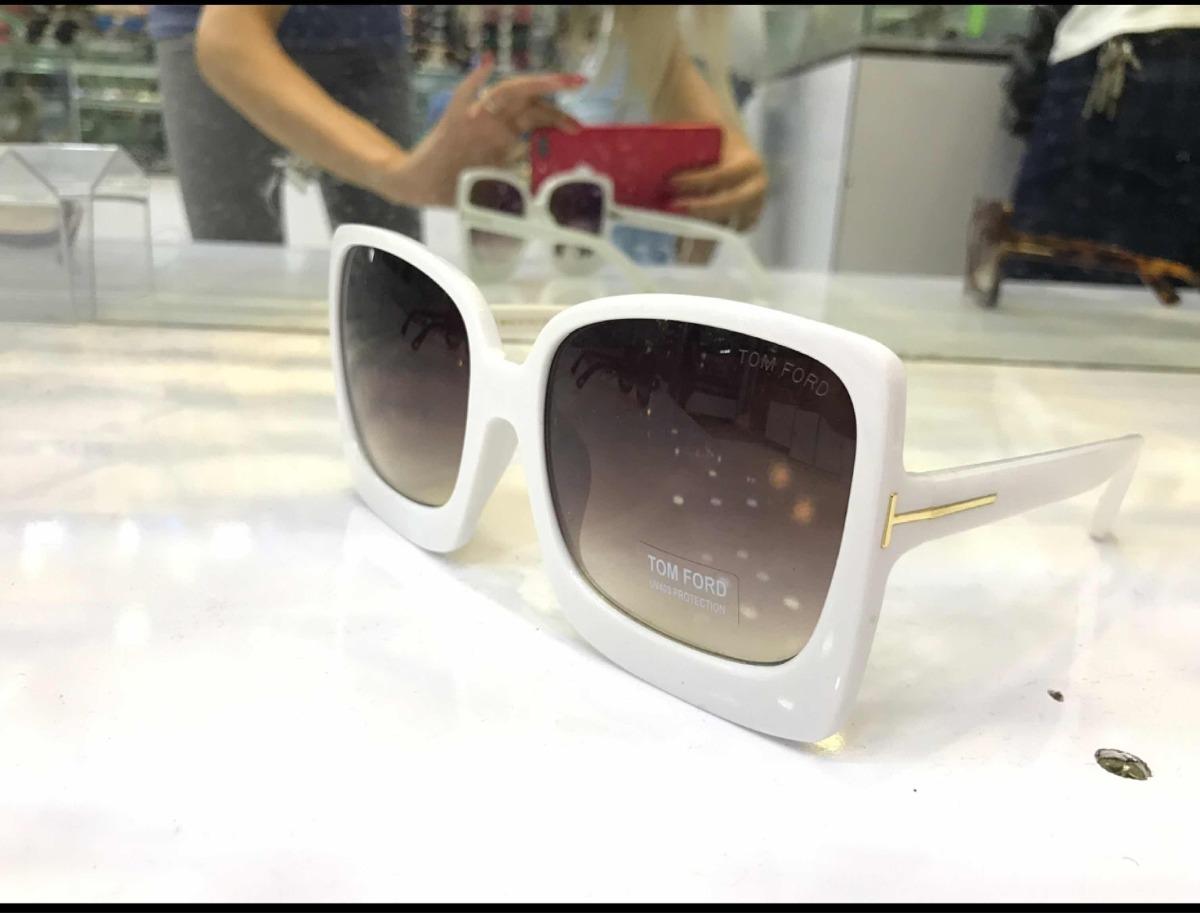 aace59a5f4d40 Óculos De Sol Tom Ford Feminino Quadrado - R  135,00 em Mercado Livre