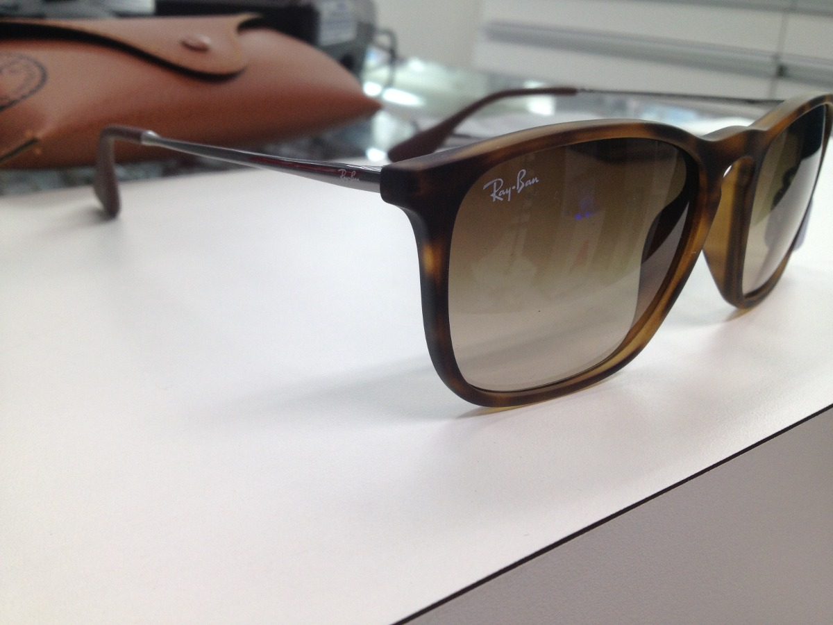 2bcef09f2e536 oculos solar ray ban rb4187 chris 856 13 54 made in italy. Carregando zoom.