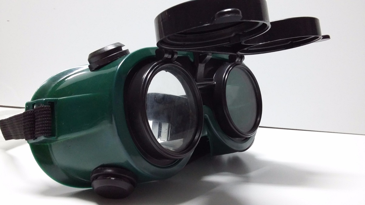 7aa5f0d307673 Óculos Soldador 2 Lentes Western - R  22,90 em Mercado Livre