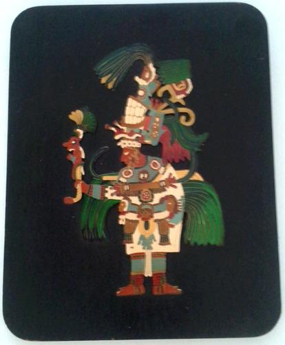 oferta adorno pared madera negra deidad maya metal relieve