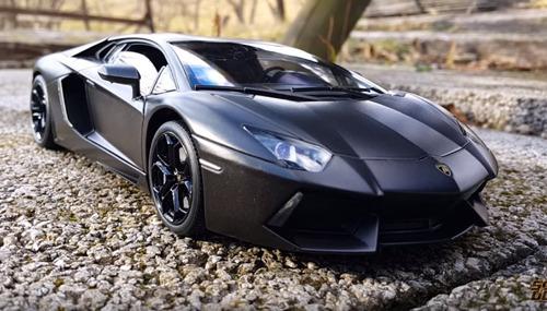 oferta auto lamborghini aventador negro mate  escala 1:18