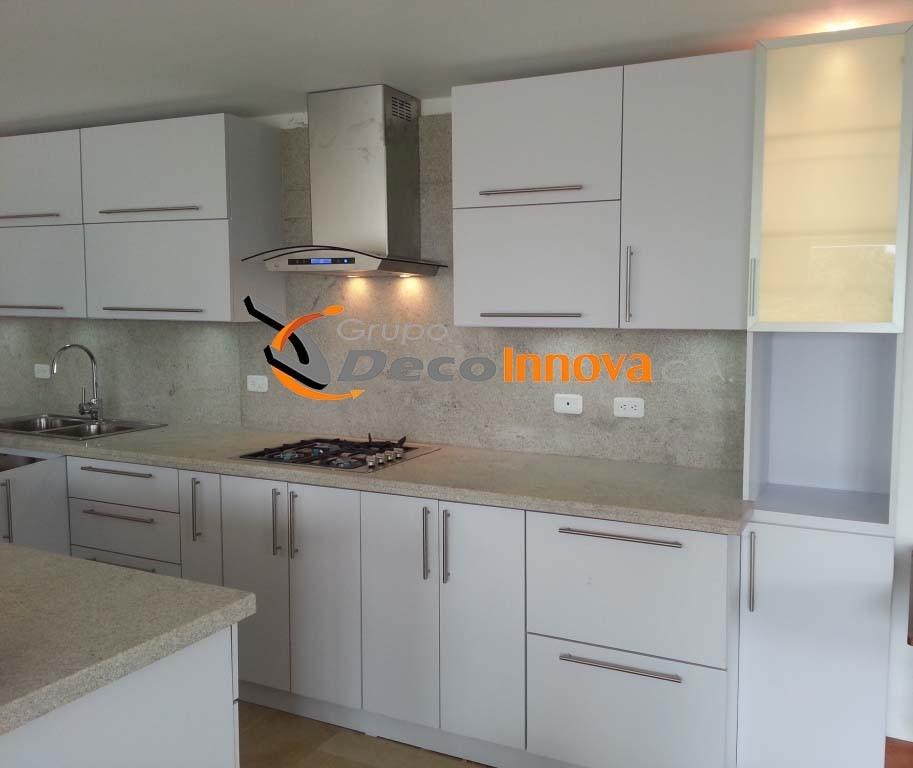 Oferta cocinas empotradas a la medida modulares for Colores de granito para cocinas blancas