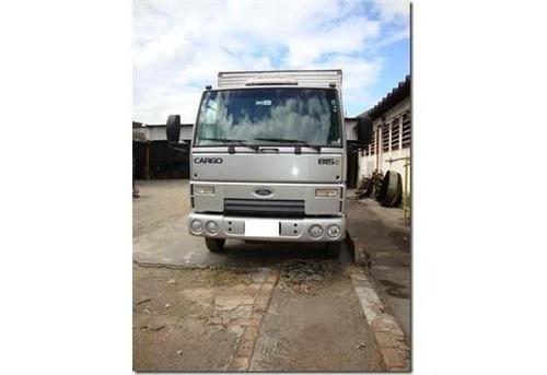 oferta ford cargo 815 bau com serviço aceito troca com carro