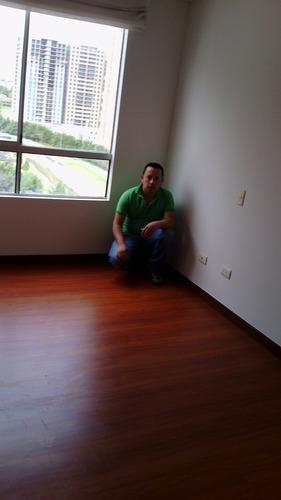 oferta pisos laminados y pisos y cielo rasos en pvc