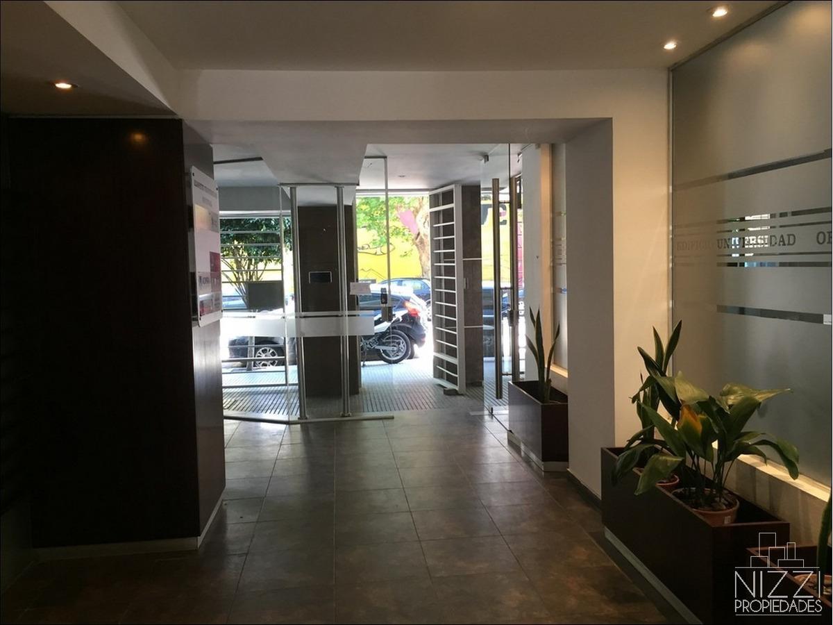 oficina 120m2 con cochera nueva
