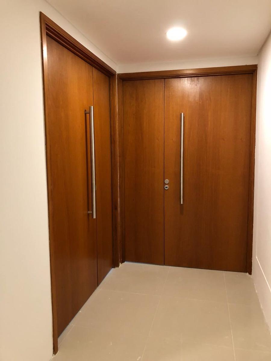 oficina 299 m2 sobre acceso oeste km.17 en vilanova office.